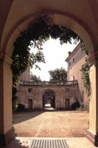 10 - cortile centrale castello romagnano