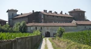 1 - ingresso laterale castello romagnano
